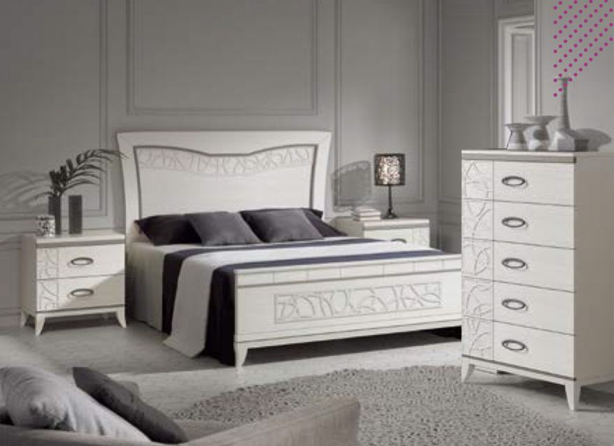 Dormitorio matrimonio lacado y aplicaciones en plata